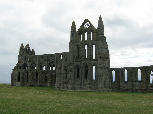 whitby-abbey-606210_1920