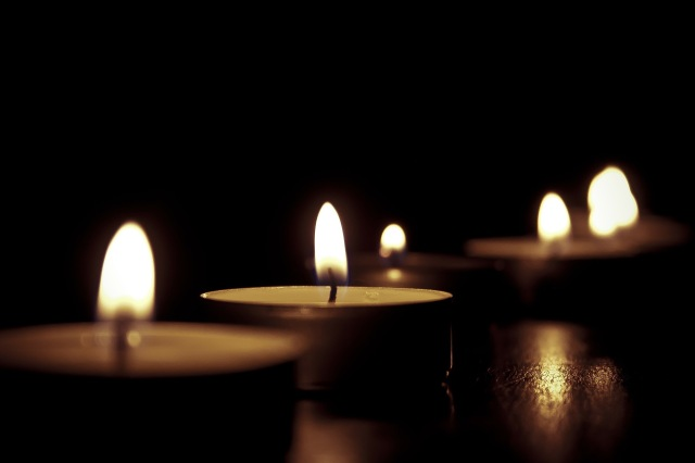 candles-209157_1920-1